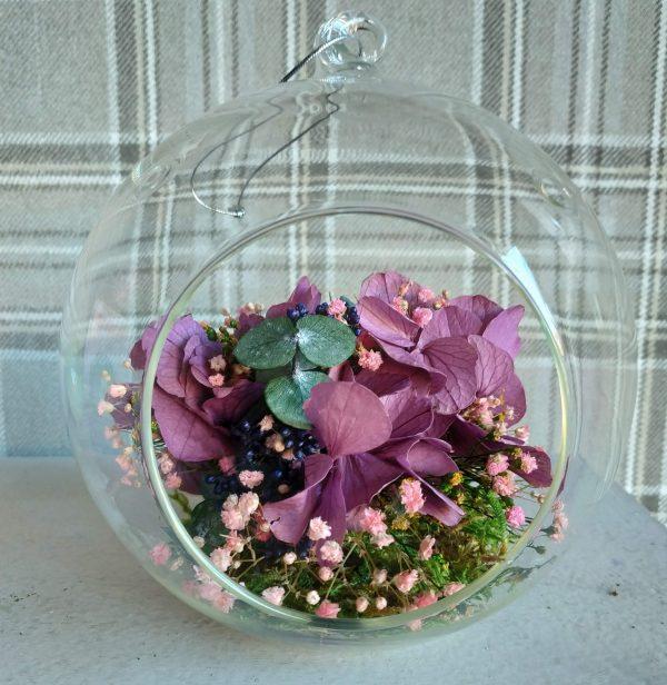 květina ve skleněné kouli filaková hortenzie scaled